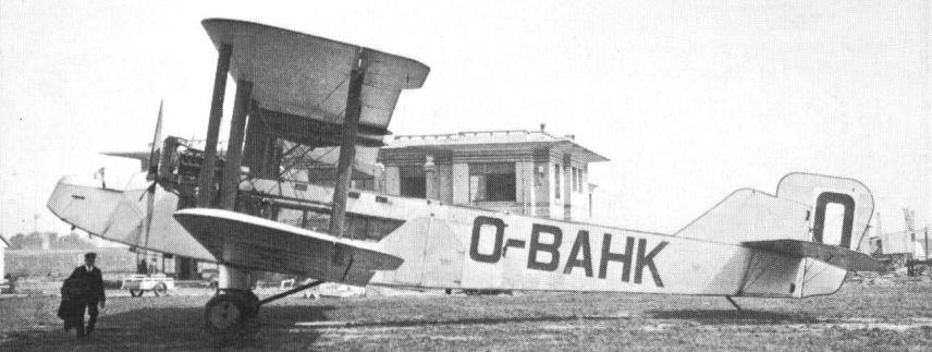 Op 10 juli 1924 werd de HP-18 W.8b ingeschreven op naam van Sabena. In 1929 kreeg het de registratie OO-AHK